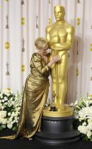 Meryl gives Oscar a polish